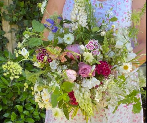 Queenie's Floral Design wedding bouquet