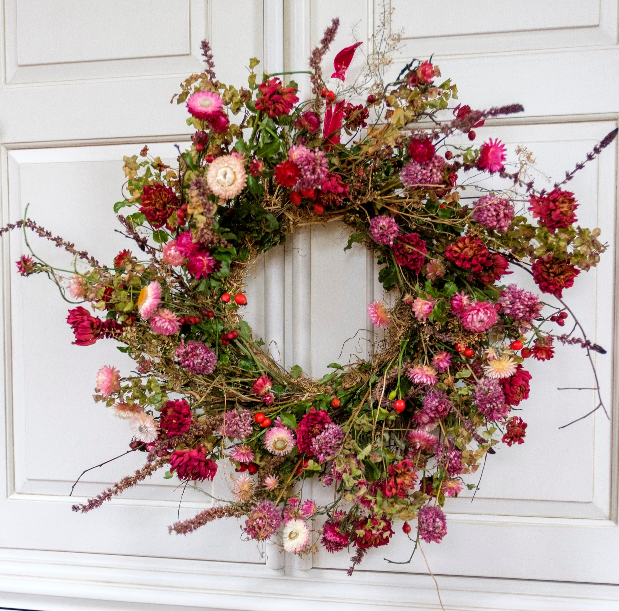 A sustainable autumn wreath made with locally grown dried flowers by Fierce Blooms Cheshire.